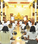 """""""Buddhism"""" practices in the heart of a bustling city"""