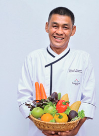 interview with Udomsak Boonsopone (Chef Dom)